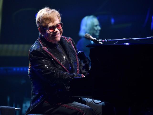 elton-john-dedicates-song-to-mac-miller-at-farewell-tour-kickoff