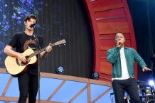 shawn-mendes-performs-with-john-legend-global-citizen-festival-watch