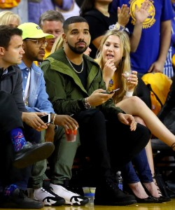 This Is How Drake Texts