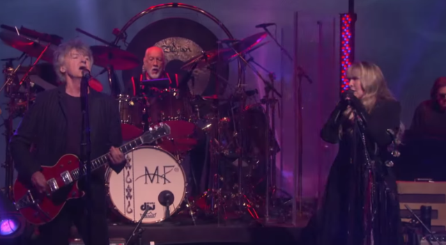 Fleetwood Mac debut new lineup on Ellen