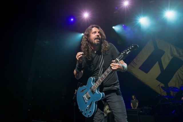 Dave Grohl to Auction Gear on Reverb