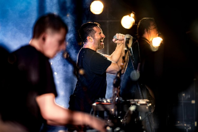 Nine Inch Nails Play 'Broken' EP Live
