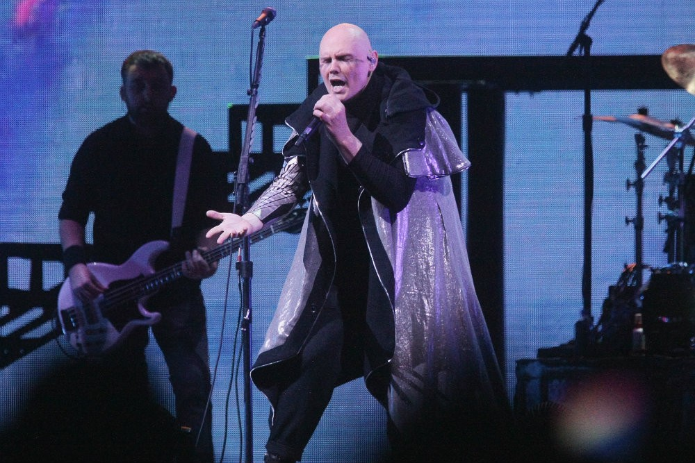 "Smashing Pumpkins Debut New Song ""Silvery Sometime (Ghosts)"""
