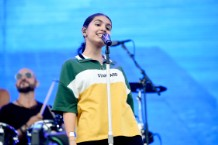 alessia-cara-unveils-the-pains-of-growing-album-art-tracklist