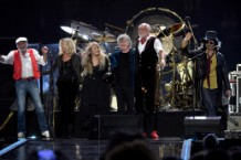 fleetwood mac disputes lindsey buckingham lawsuit