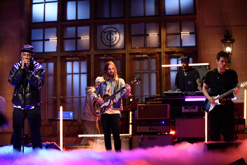 947a36ab0df5 Travis Scott Performs with John Mayer and Tame Impala's Kevin Parker on 'SNL ':