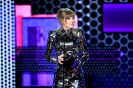 Taylor Swift Expresses Political Opinion, This Time at 2018 AMAs