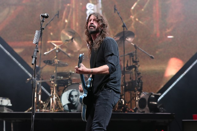 dave grohl play live debut