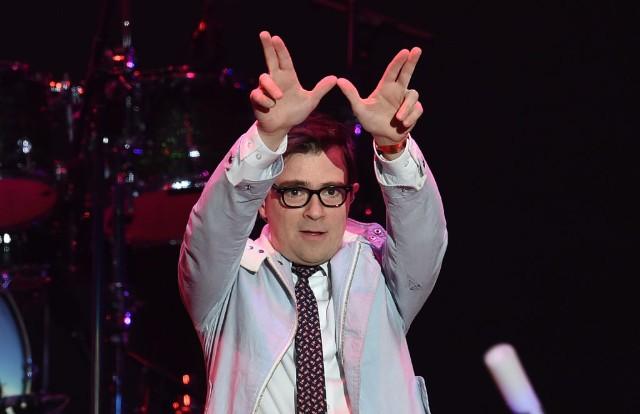 Weezer Can't Knock the Hustle Black Album