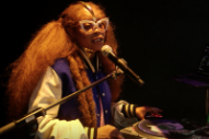 Watch Erykah Badu Rap During a BET Hip-Hop Awards Cypher
