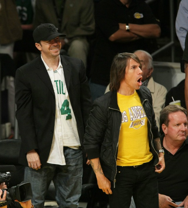 Anthony Kiedis and Donnie Wahlberg at 2008 NBA Finals