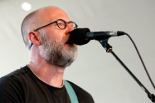 "Bob Mould Announces New Album ""Sunshine Rock"""