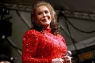 "Loretta Lynn Hospitalized With ""Some Serious Issues"""