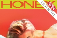 Robyn Mends Her Own Heart on the Subtle, Sparkling <i>Honey</i>