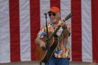 Jimmy Buffett Ruffles Parrothead Feathers by Playing Rally For Florida Democrats