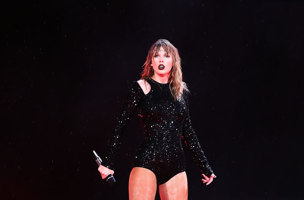 taylor swift universal republic records deal new record contract