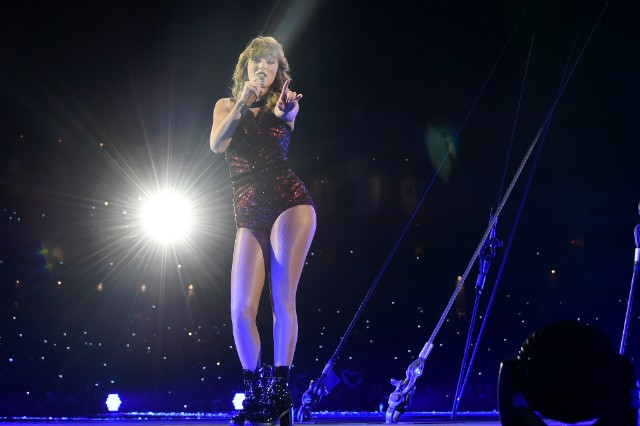 taylor-swift-previews-four-songs-from-netflix-concert-film-watch