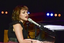 norah-jones-pays-tribute-to-ray-charles-austin-city-limits-new-years-special-watch