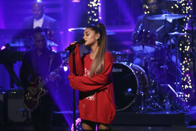 ariana-grande-cancels-new-years-eve-performance-in-las-vegas-citing-health-issues