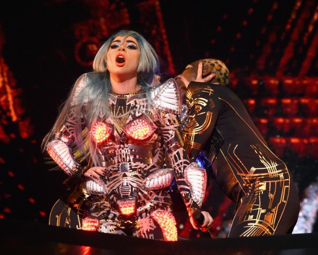 lady-gaga-covers-david-bowie-im-afraid-of-americans-at-enigma-vegas-residency-watch