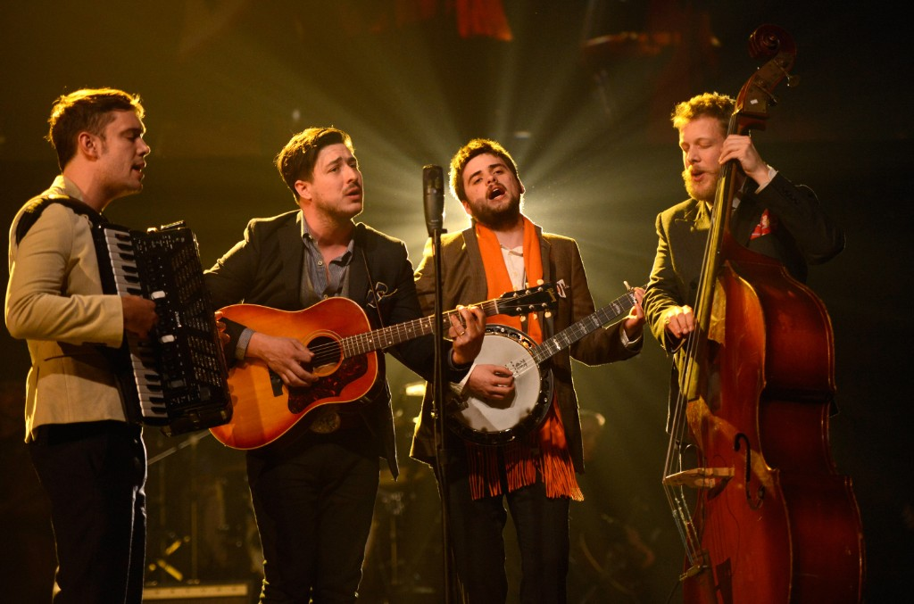 """Mumford & Sons Perform """"Delta"""" and """"Guiding Light"""" on SNL: Watch"""