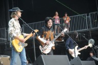 """The Raconteurs Release New Singles """"Sunday Driver"""" and """"Now That You're Gone"""""""