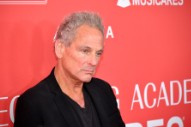 "Lindsey Buckingham Is Down to Rejoin Fleetwood Mac, Calls Current Group a ""Cover Band"""