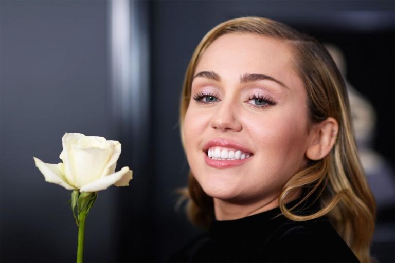 Miley Cyrus Happy Xmas The War is Over Listen