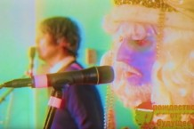 "flaming lips david bowie bing crosby cover ""peace on earth/little drummer boy"""