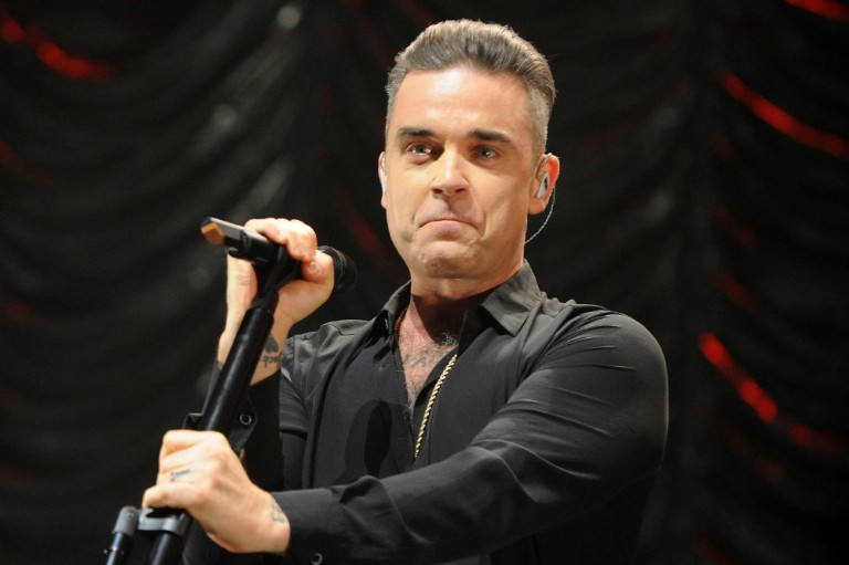 Robbie Williams Wins Pool Feud Over Jimmy Page