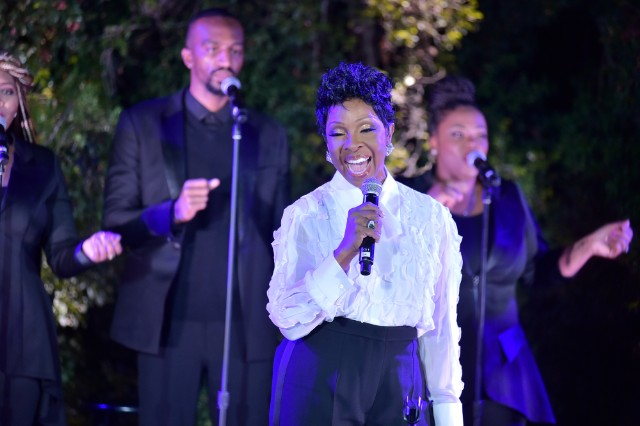 gladys-knight-to-sing-national-anthem-at-super-bowl-shares-statement-addressing-colin-kaepernick