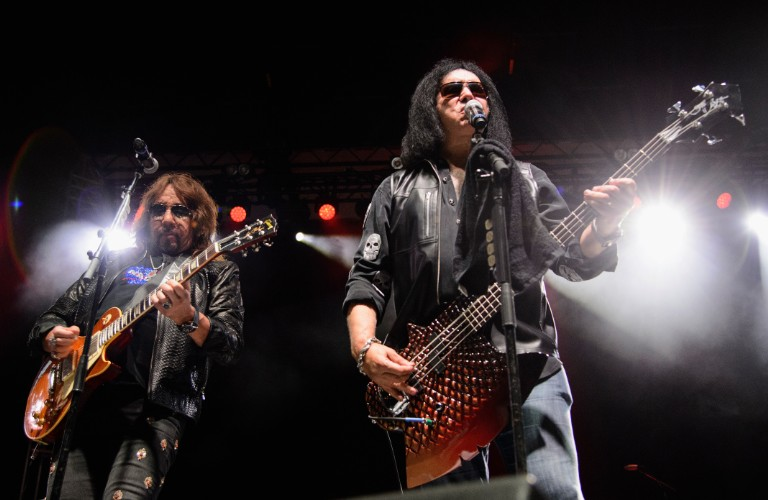 ace frehley scathing message facebook gene simmons kiss