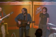 "Jeff Tweedy Performs ""I Know What It's Like"" on Kimmel"