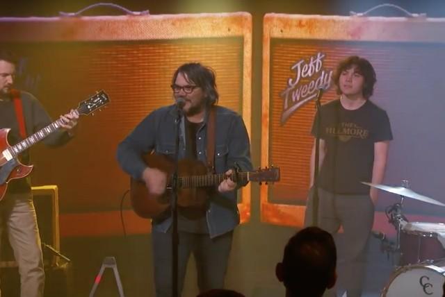 "Jeff Tweedy Performs ""I Know What It's Like"" on Kimmel"