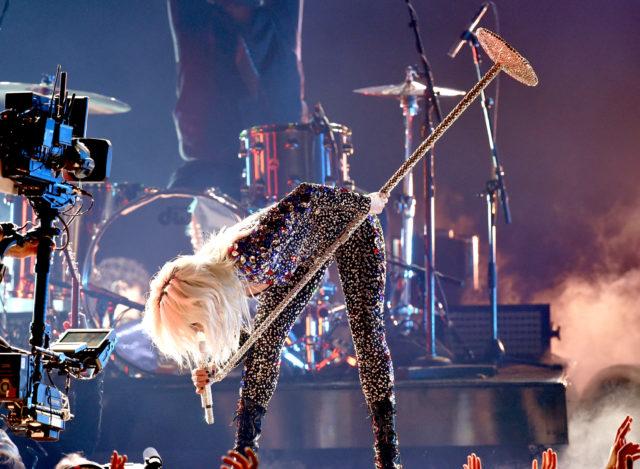 Grammys 2019 Watch Lady Gaga Perform Shallow Spin