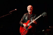 peter-frampton-reveals-degenerative-muscle-disease-diagnosis-announces-farewell-tour