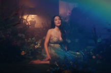 kacey-musgraves-rainbow-video-watch
