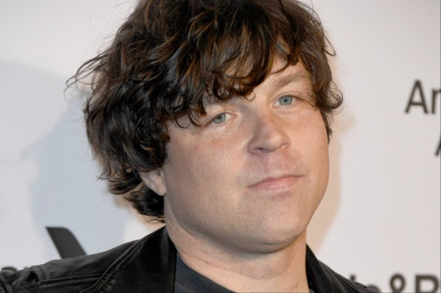 ryan adams 39 u k tour to proceed as fans demand refunds spin. Black Bedroom Furniture Sets. Home Design Ideas