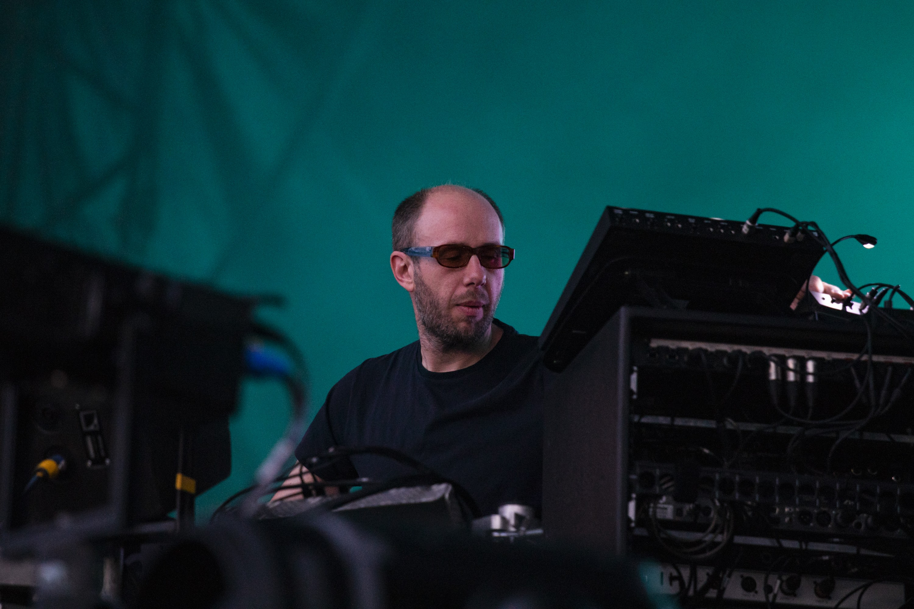 chemical-brothers-weve-got-to-try-video-watch