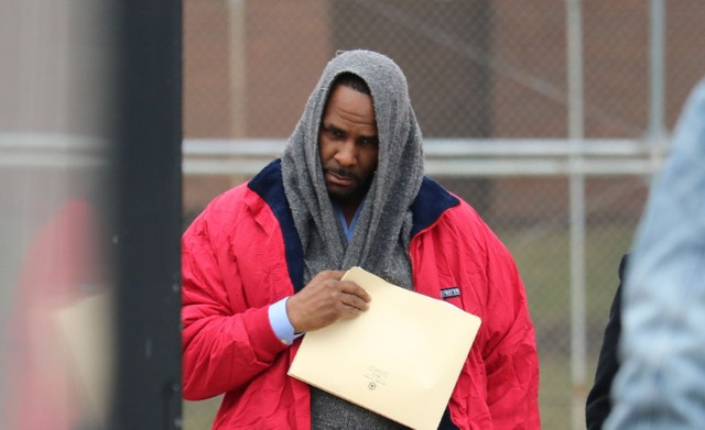 Image result for R. Kelly freed from Chicago jail after child support paid