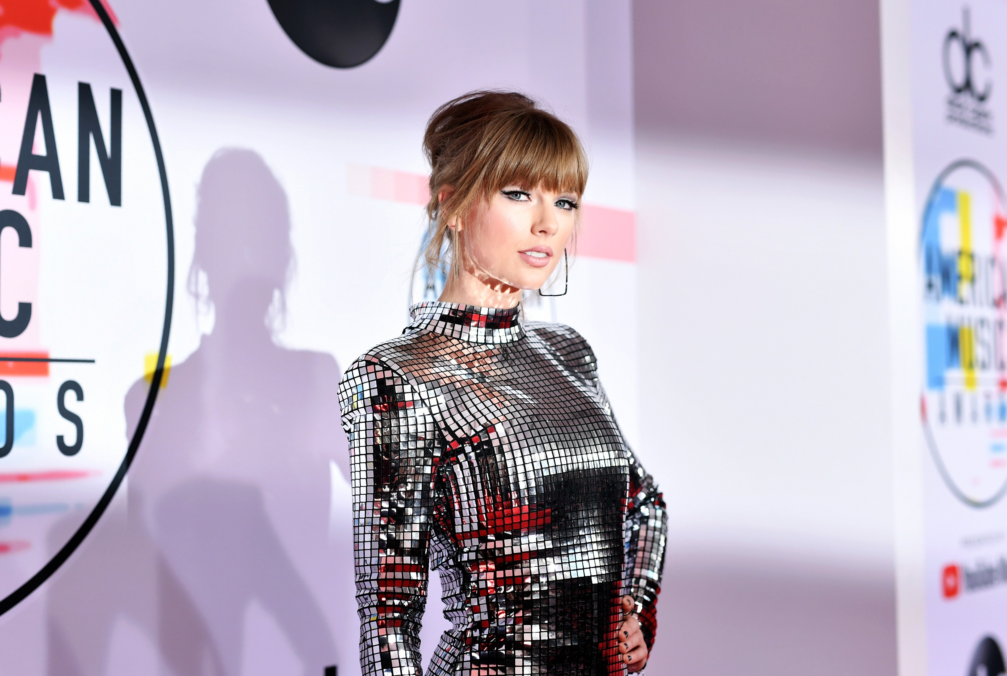 taylor-swift-launches-cryptic-countdown-clock