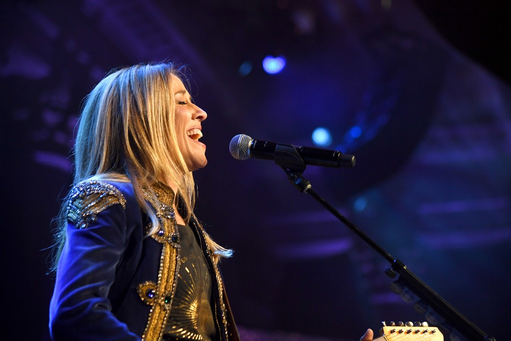 Sheryl Crow Covers Linda Ronstadt Classics at Tribeca Documentary Premiere: Watch
