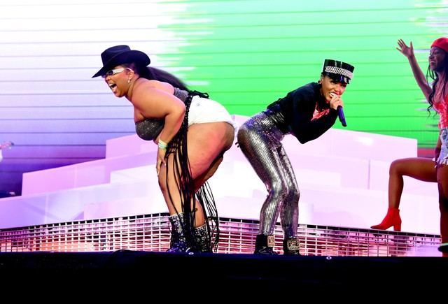 janelle-monae-brings-out-lizzo-at-coachella-2019-watch