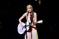 """Taylor Swift Debuts Cat No. 3 After """"ME!"""" Release"""