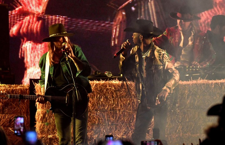 Lil Nas X Billy Ray Cyrus Stagecoach Performance Watch