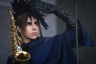 "PJ Harvey – ""Descending"" & ""The Moth"""