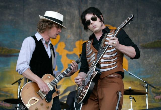 the-raconteurs-play-their-first-show-in-8-years-watch
