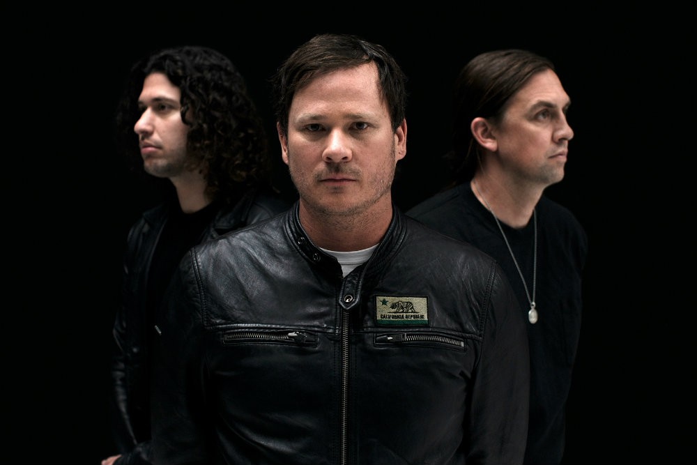 """Angels & Airwaves Release """"Rebel Girl,"""" Announce Tour"""