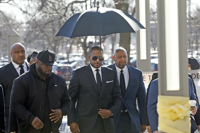 R. Kelly Loses Lawsuit After Failing to Show Up to Court