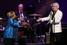 David-Byrne-and-Mavis-Staples-1557493363-640x427-1557498461